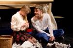 Monsun-Theater Ein Winter unter´m Tisch  Komödie von Roland Topor als Hamburger Erstaufführung