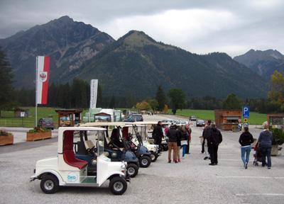 Mit elektrischen Golfcar umweltfreundlich unterwegs