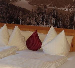 Bettgenuss im Urlaub pur - im Hotel Post am See am Achensee in Österreich