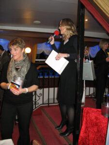 Susanne Illerhaus begrüßt die Gäste