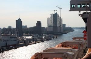 Zurück in Hamburg vor dem Grasbrook Kai