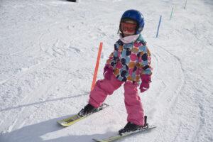 Kleine Skifahrerin