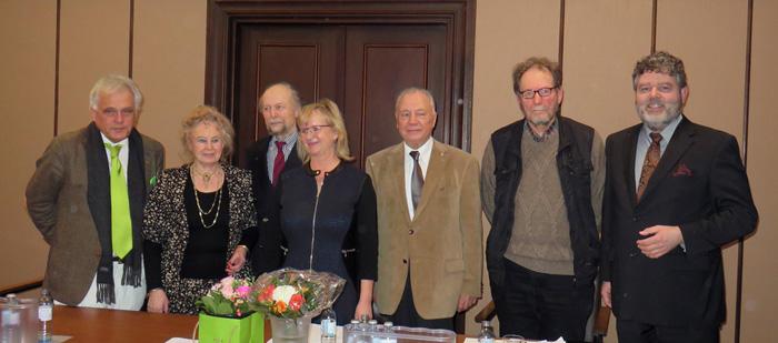 2.Der neue Vorstand ( von links)  Peter Schmidt (Schriftführer) Antje Thietz-Bartram (Schatzmeisterin) Wolf-Ulrich Cropp (Stellvertretender Vorsitzender) Sabine Witt ( Vorsitzende) Wolfgang Müller-Michaelis (Beisitzer) Rüdiger Stüwe (Beisitzer) Karsten Lieberam-Schmidt (Beisitzer)