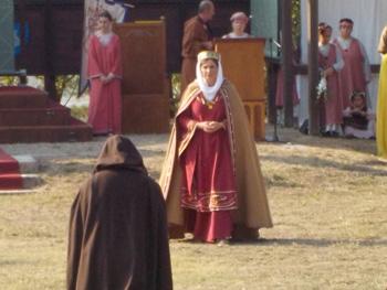 Heinrich IV kniet vor Mathilde