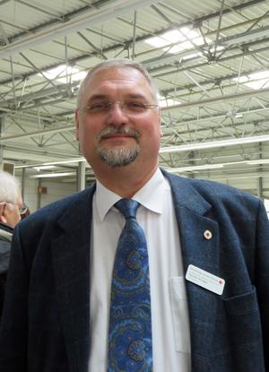 DRK Vorstand Harald Krüger plant für die Flüchtlinge