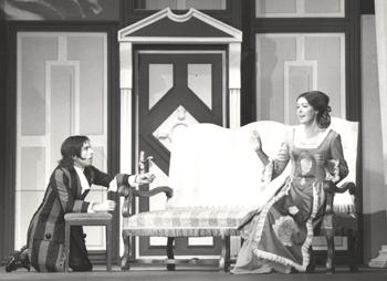 Edgar Wiesemann und Ursula Lillig in einer Inszenierung des Taruffe im Hansa-Theater in Berlin, Inszenierung Hans-Peter Kurr, Foto: Harry Croner