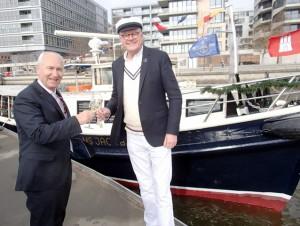 Hoteldirektor Jost Deitmar (r.) u. Carls-Patron Francesco Potenza