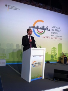 Foto: Müller Governing Mayor Müller welcomes German UN-Habitat-Forum