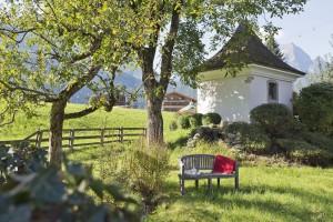 Garten mit Kapelle